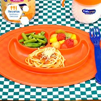 Espagueti en salsa de jitomate con un poco de queso parmesano