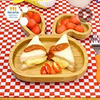 Sándwich con queso derretido con salsa de jitomate